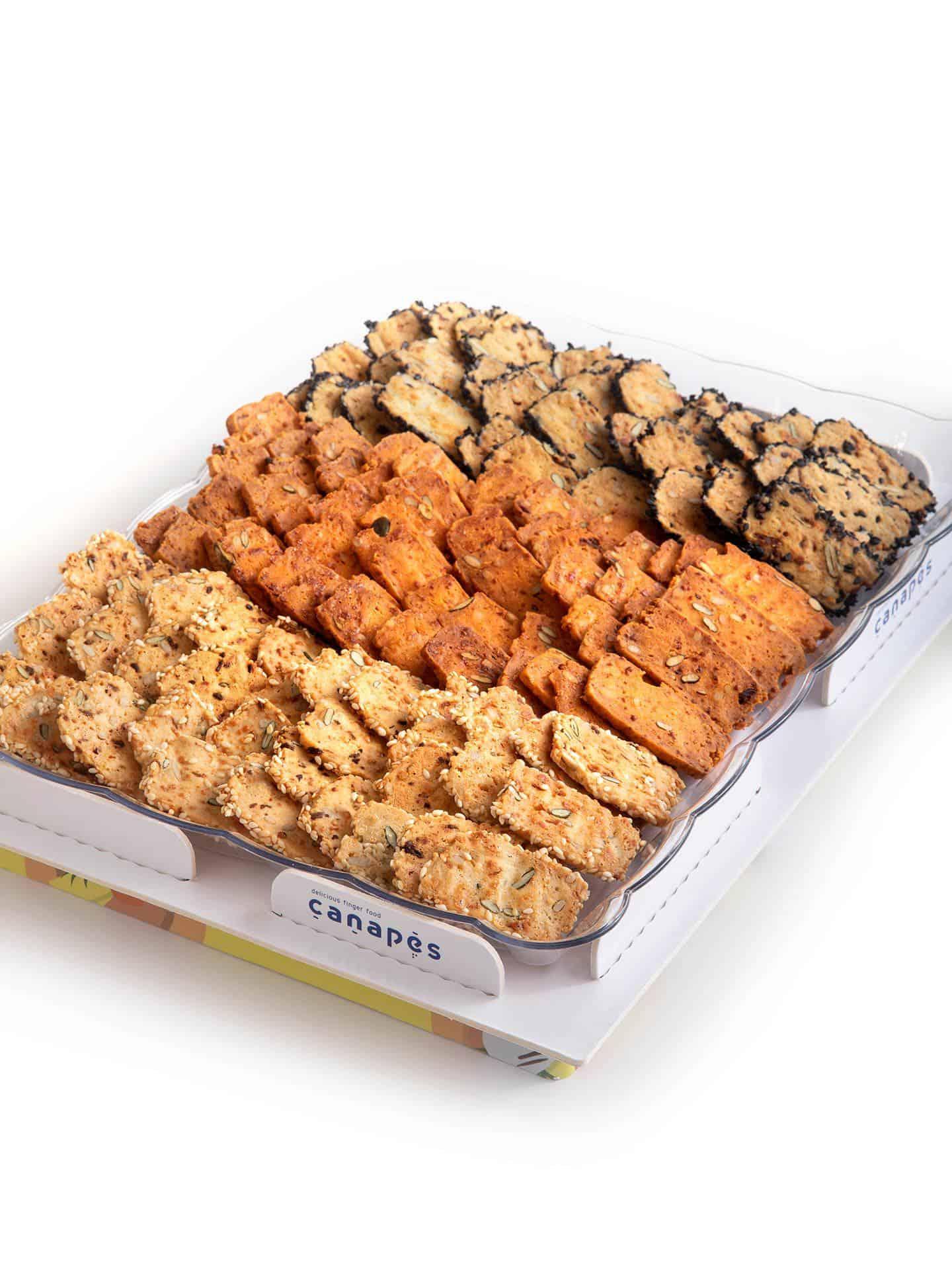 צילום של מגש עוגיות יבשות