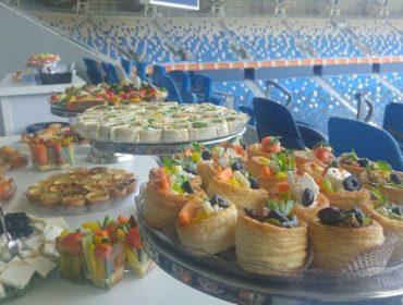 הזמנת מגשי אירוח לאירוע משותף של החברות אלביט ומיקרוסופט באצטדיון סמי עופר, חיפה.