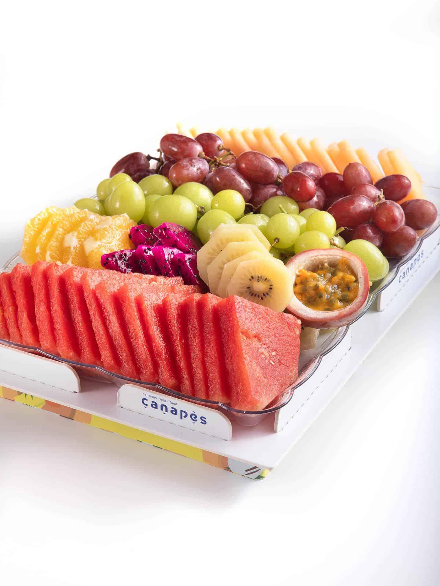 צילום של מגש פירות